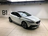 Used Volvo V40 Cross Country D4 Momentum for sale in Cape Town, Western Cape